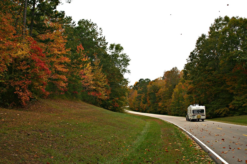5 reasons to Rent Out an RV This Fall Season